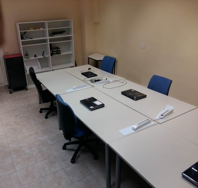 una sala de trabajo del coworking